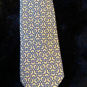 Hermès tie. Yellow/blue geometric. Preowned. Silk.